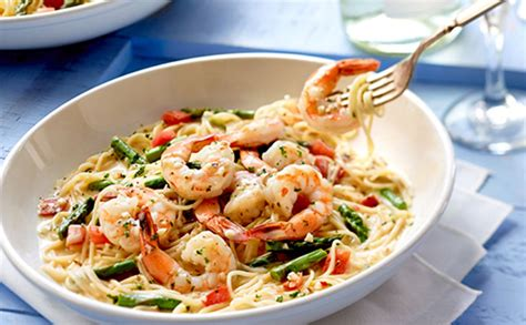 Show Me Olive Garden S Menu by The Olive Garden Is Building Its Comeback Around Shrimp