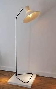 Lampadaire base etoile de robert mathieu en laiton et for Kitchen cabinets lowes with lampadaire papier