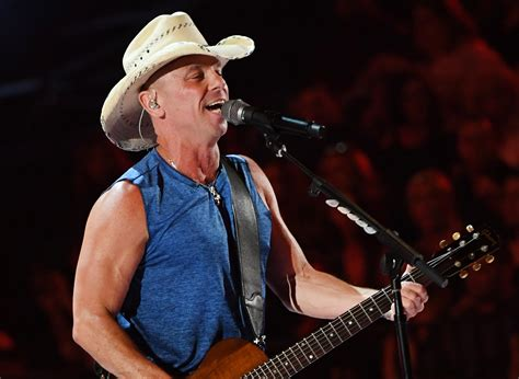 Kenny Chesney Kicks Off 53rd Acm Awrads With 'get Along
