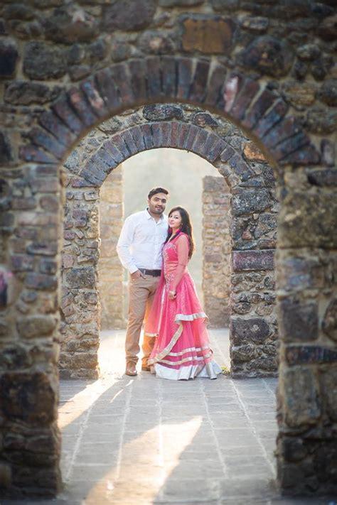 pinkesh karishma pre wedding shoot vasai fort top