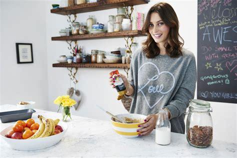 food blogger deliciously ellas healthy date recipes