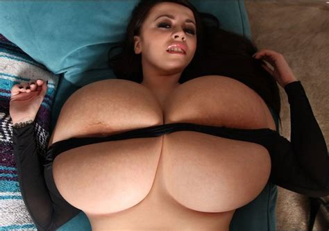 Leanne Crow Massive Natural Breast Expansion Picture Set
