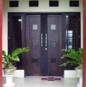 pintu rumah minimalis  pintu besar kecil contoh tips