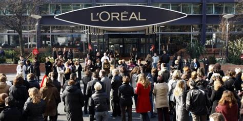 siege social l oreal les salariés de l 39 oréal réclament du quot pognon quot à agon