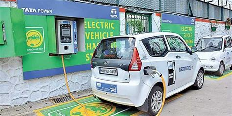 Centre Issues Guidelines On Charging Stations For Electric
