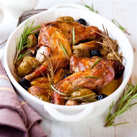 cuisine lapin recette lapin aux oignons nouveaux et au romarin
