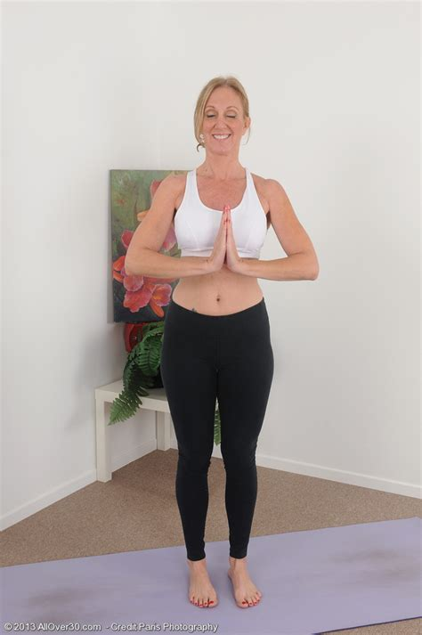 Year Old Blonde Housewife Jenna Covelli Practicing Naked Yoga Jen