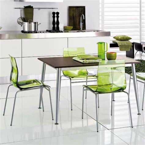chaise transparentes la chaise transparente une tendance moderne et originale