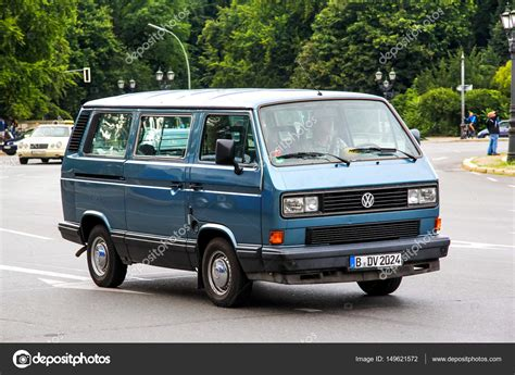 Volkswagen Caravelle Photo by Car Volkswagen Caravelle Stock Editorial Photo 169 Artzzz