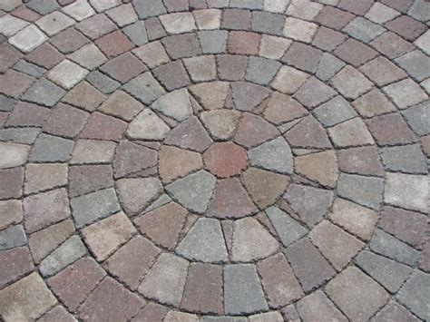 circular paving patterns pavers into circular pattern garden ideas pinterest