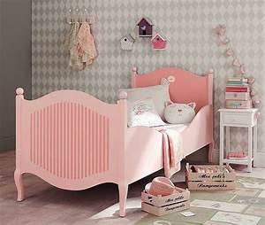 Lit Maison Fille : d co chambre de fille meubles et accessires pleins de tendresse c t maison ~ Teatrodelosmanantiales.com Idées de Décoration
