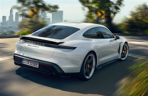 Porsche Taycan Turbo & Turbo S officially revealed ...