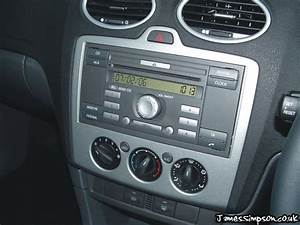Ford Focus Mk2  2005-2008  Stereo Removal - St