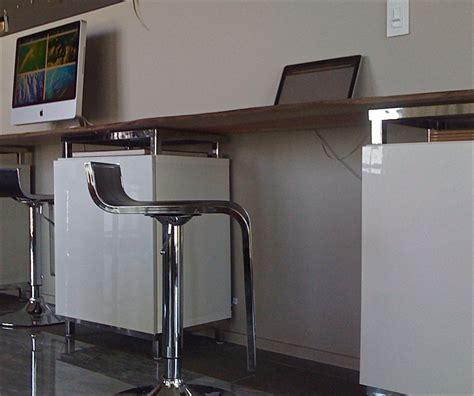 plateau de bureau ikea bureau customisé avec besta d 39 ikea bidouilles ikea