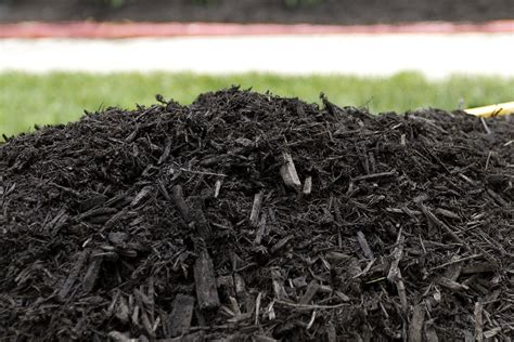 buy garden mulch buy mulch white oak gardens cincinnati oh
