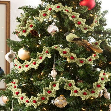 christmas tree garland red heart