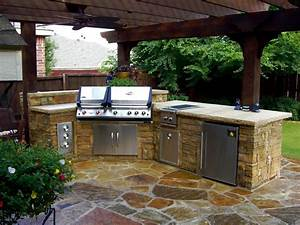Fresh Outdoor Kitchen Plans with Beautiful Landscaping