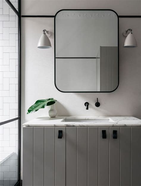 Mirrors In Bathrooms by Best 25 Grey Bathroom Vanity Ideas On Large
