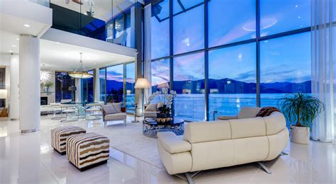 exquisite contemporary waterfront home  dramatic