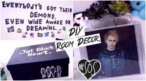 DIY 5SOS Room DecorTumblrGrungeBlack and White Room