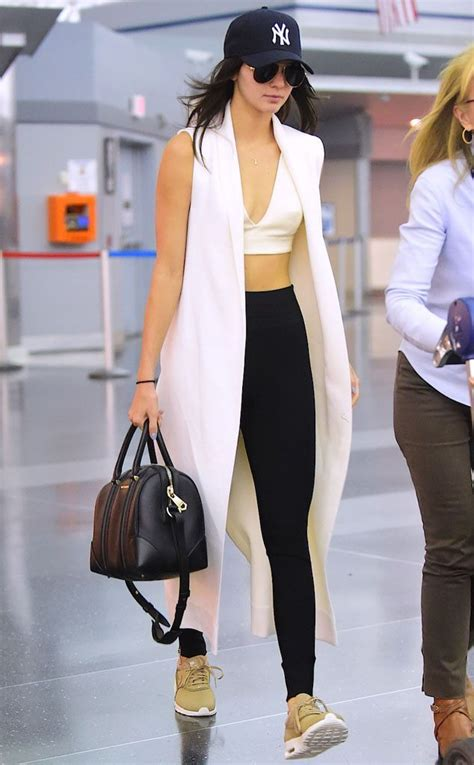 How To Nail Your Airport Outfit - Rooftop Antics
