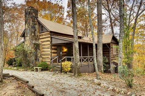 rustic log homes  sale historic homes  sale