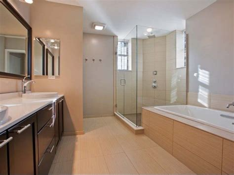 large bathrooms  downtown chicago apartments  modern