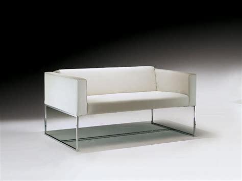 Sofa Mit Vierkantrohr Aus Stahl, Für Wartezimmer Idfdesign
