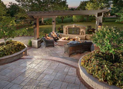 backyard party   beacon hill flagstone patio