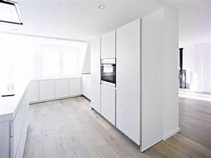 Holzdielen In Der Küche : die k che wird zum raumteiler ~ Markanthonyermac.com Haus und Dekorationen