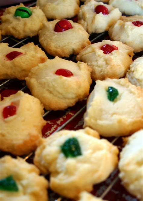 This is a recipe for an amazingly dense and rich yet delicate cookie. Jo and Sue: Whipped Shortbread Cookies