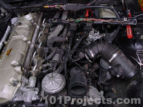 1998 Bmw 528i Engine Diagram by Where Is The Fuse Box Located On A 2002 Bmw X5 3 0i