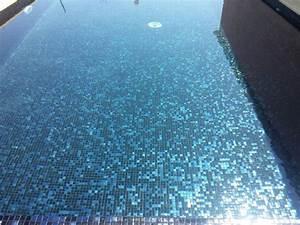 Carrelage Vert D Eau : 66 best carrelage piscine images on pinterest swimming pools conkers and color schemes ~ Melissatoandfro.com Idées de Décoration