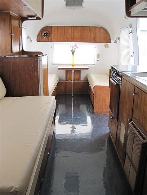 airstream safari land yacht