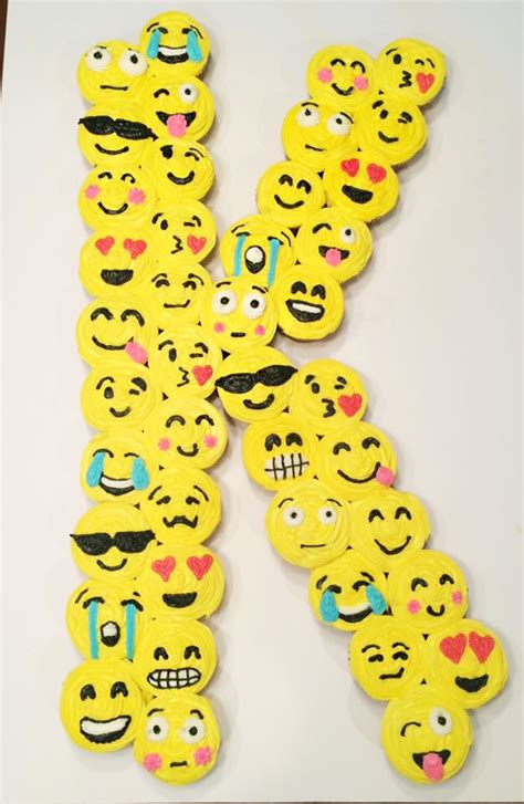 cupcake emoji for iphone the best emoji cakes desserts