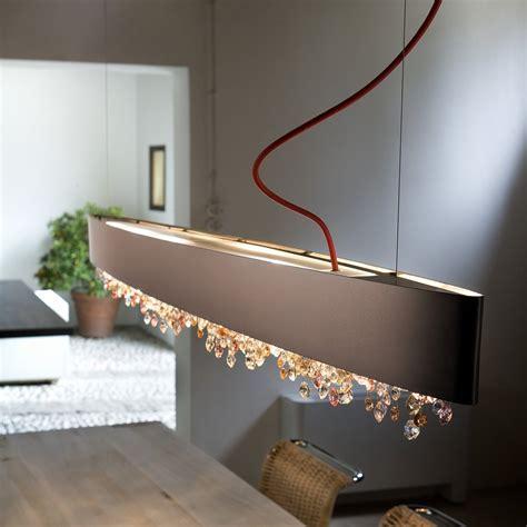 Elegante Tischbeleuchtung mit der Pendelleuchte Ola von