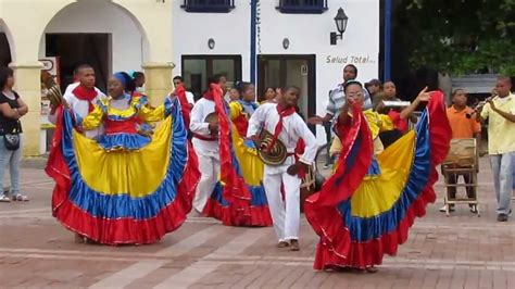 Cumbia music and dance takes different forms throughout latin america, but it is believed to have originated in the magdalena department in the caribbean region of colombia. CUMBIA COLOMBIANA EN CARTAGENA - YouTube