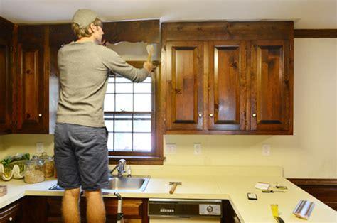 portes de placards de cuisine comment rénover vos portes de placard de cuisine les 5