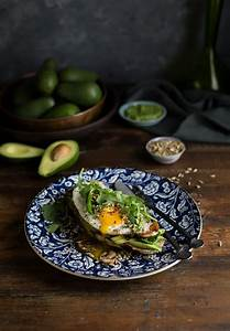 Crispy fried egg on avo toast recipe with mushrooms ...