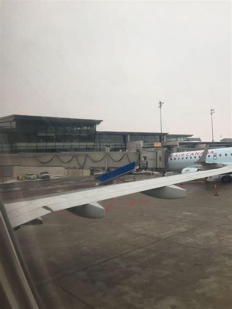 siege de macdonald avis du vol air canada toronto ottawa en economique