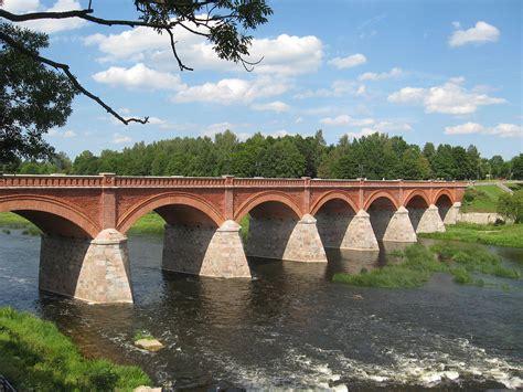 Ventas rumba un Kuldīgas ķieģeļu tilts - Precos.lv