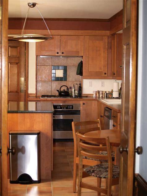 The Minimalist Kitchen: Declutter Your Kitchen