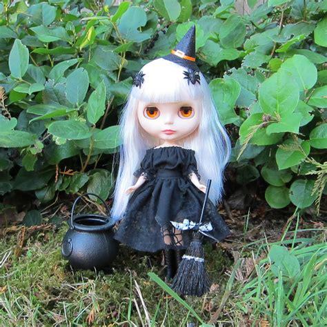 witch dress costume  blythe pullip dolls black