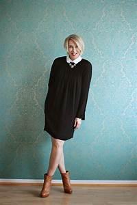 Kleid Stiefeletten Kombinieren : outfit mit schwarzem kleid und bubikragen claudia steinlein mode hosen mode und outfit ~ Frokenaadalensverden.com Haus und Dekorationen
