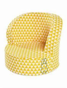 Petit Fauteuil Jaune : petit fauteuil motifs g om trique jaune et blanc verbaudet chambre mada pinterest ~ Teatrodelosmanantiales.com Idées de Décoration