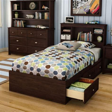 chambre avec rangement la tête de lit avec rangement un gain d 39 espace déco