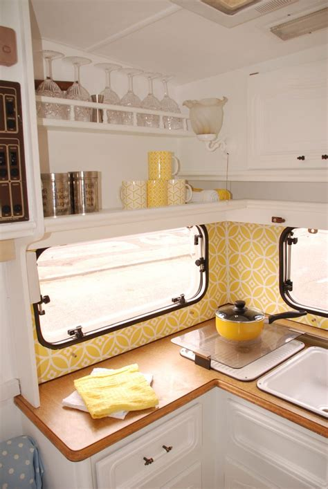 Diy Caravan Upholstery by Best 25 Caravan Makeover Ideas On Rv Caravan