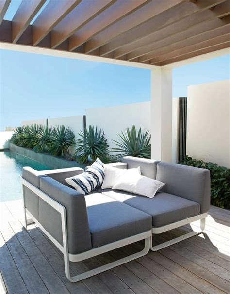 modern chaise lounge modern chaise lounges 39 pontoon 39 outdoor modular setting configure to suit your