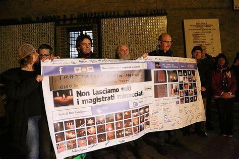 Candele Bologna by Cinquemila Candele In Piazza Maggiore Bologna Solidale Con