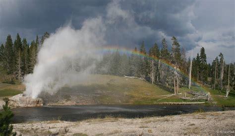 riverside geyser spraybow